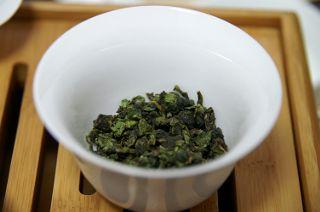 蓋碗に入れた7gの茶葉