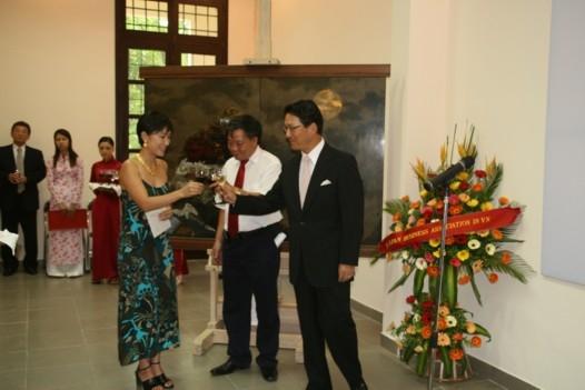 Ambassador Hattori, Dr. Binh Saeko Ando