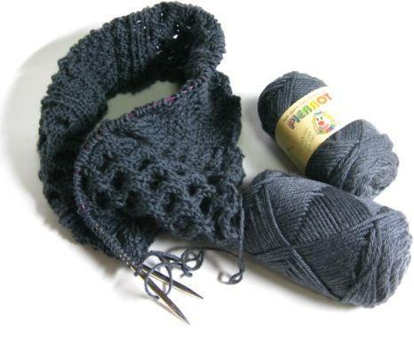 Cabled Cowl_01.JPG