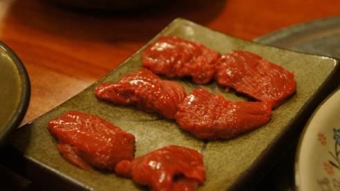 済州の馬肉料理専門店「サドンチプ」
