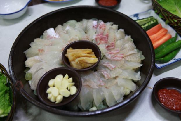 済州 観光 グルメ 刺身