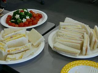 サンドイッチとサラダツリー