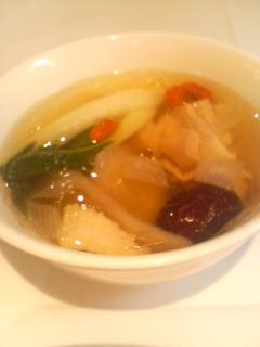 白金亭 薬膳スープ