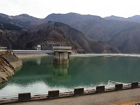手取川ダム湖.JPG