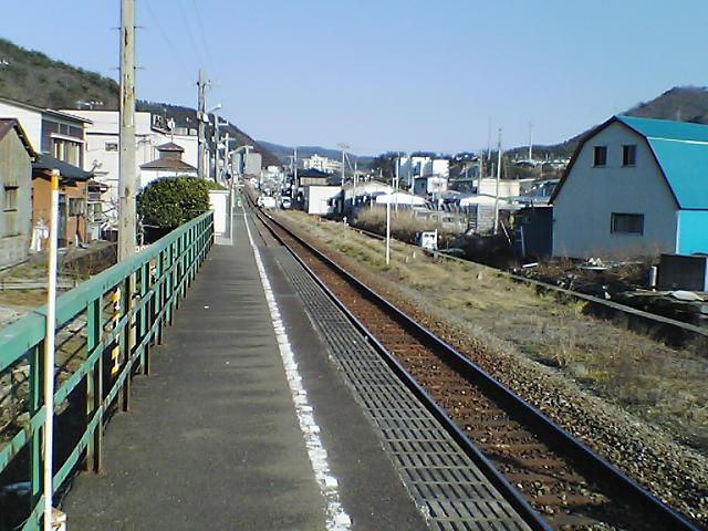 浦宿駅のプラットホーム