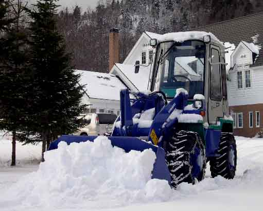 この冬初の除雪(コマツWA30)