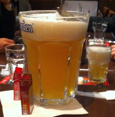 ヒューガルデンの巨大ビール