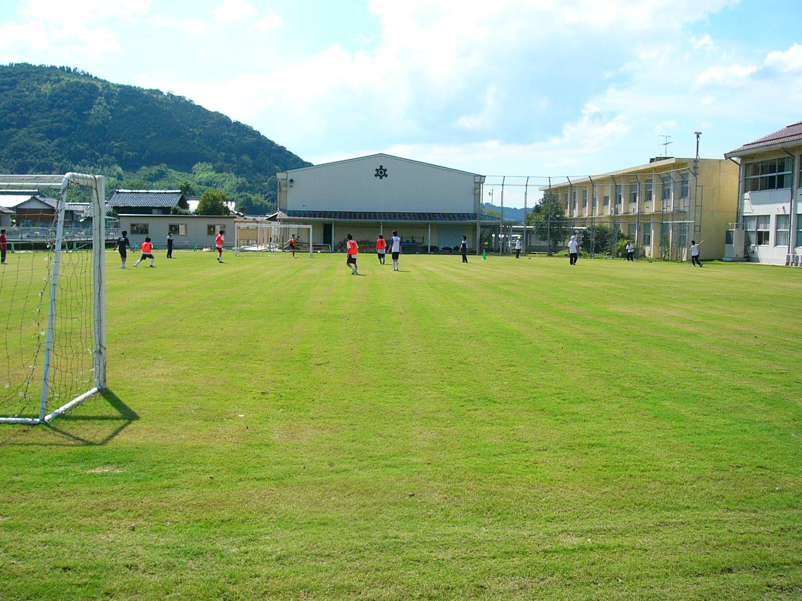 湯利浜学園