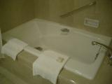 横浜ロイヤルパークホテル:バスルーム5:バスタブ