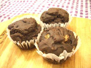 万能チョコスポンジで作ったカップケーキ