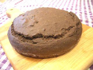 万能チョコスポンジで作ったデコ型スポンジケーキ