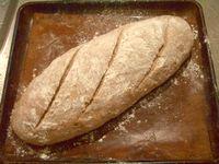 ライ麦入り、全粒粉とクルミのパン7
