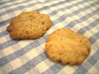 手でつぶして作ったオリーブオイルのクッキー