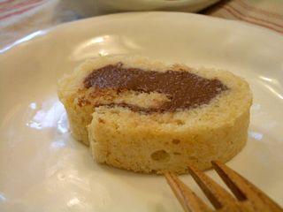 ココア豆腐クリームのロールケーキ5