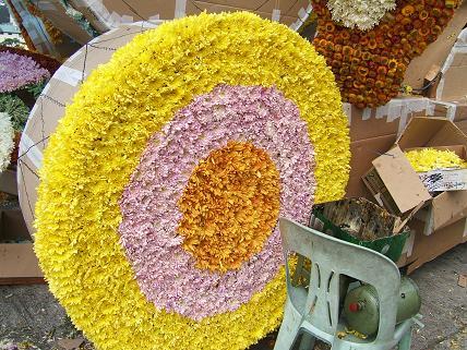 滑車のところも花できれに飾りつけられています