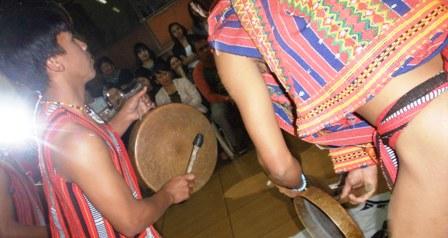 本格的なフィリピン伝統ダンス