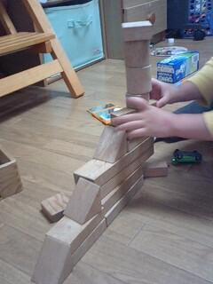 息子の積み木遊びフォト