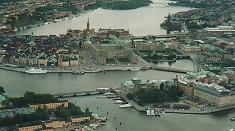 The ballon is nearing Skeppsholmen, Blasieholmen and the Old Town.jpg