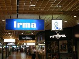 コペンハーゲン*Irmaはデンマークの紀伊国屋?.JPG