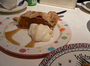 20071110松之助N.Y.*アップルパイと水玉お皿.JPG