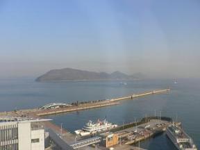 高松港フェリー乗り場20070221_8:31.JPG