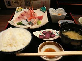 金沢百番街*魚菜屋の刺身定食.JPG