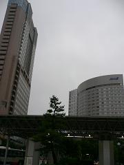 JR金沢駅そば*ホテル日航金沢と全日空ホテル金沢.JPG