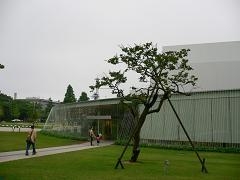 金沢21世紀美術館*広坂通り側入り口.JPG