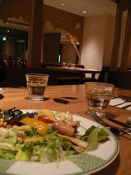 RISONARE*YY grill_採れたて野菜がたっぷりのサラダたち.JPG