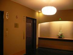 ホテル日航金沢*6階弁慶への和風エレベータ.JPG