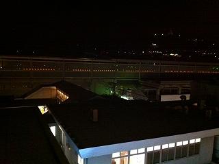 新幹線 夜.jpg