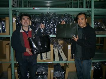 私(向かって右)と現場スタッフの高田君。