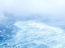 泡立つ海面