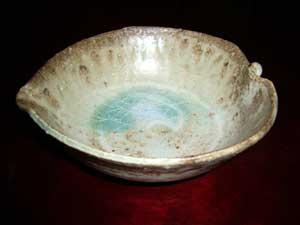 灰釉木の葉鉢