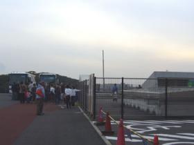 大型観光バスが2台