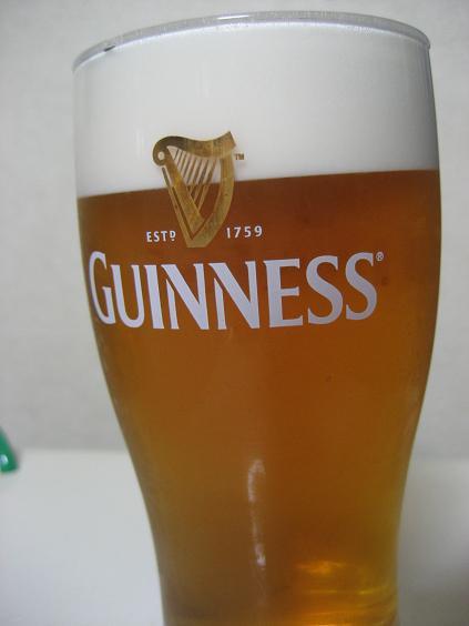 自作ビールサーバーで注ぐ、ギネスではないよ!!.JPG