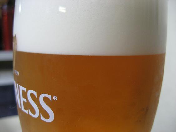 常温の樽から抽出、自作のビールサーバー、冷え冷えキンキン.JPG