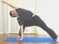 【ヨガポーズ】側面を伸ばすポーズ・三角のバリエーション