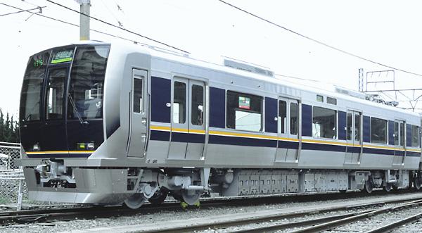 短距離のお出かけであれば、特急電車と違って乗降扉の幅が広く、床もフラット... JR通勤電車のバ