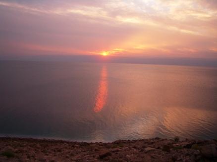 冬の死海―落ちる太陽