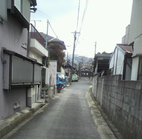 今辻子町から百万ヶ辻子に続く道
