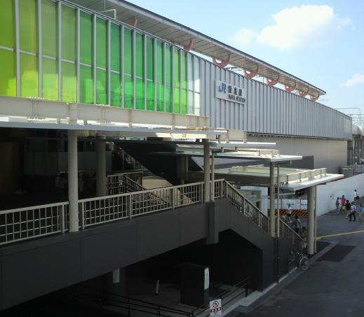 JR奈良駅東口階段にできた「屋根」