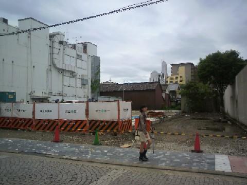 三条通りのマクドナルド&島岡洋品店の場所2011/05/12