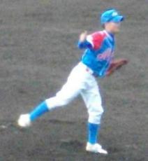 赤崎・佐々木純一投手