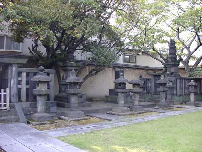 P1010303霊願寺3.JPG
