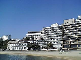 巨大旅館群