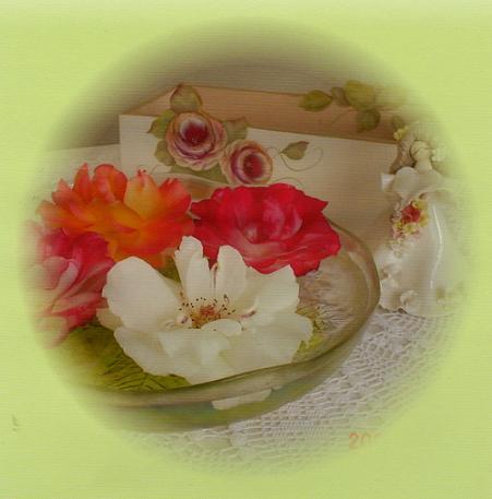 薔薇とティッシュBOX