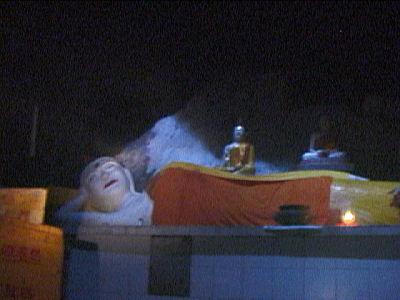 チャラケイブの寝仏3.jpg