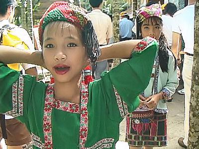 ミャオ民族衣装2.jpg