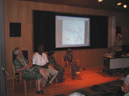 アフリカの風・図書館3.jpg